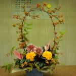 10月20日  (花)ダリア、マリーゴールド、アンスリューム(枝)つる梅もどき(葉物)ドラセラ、コンパクター、ヒペリカム紅葉