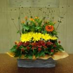 10月27日  (花)スプレーバラ、ガーベラ、カーネーション(実)秋明菊の実(葉物)木苺
