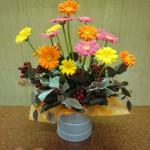 (花)ガーベラ、シンピジューム(枝)ヒペリカム(葉物)ポボラス、ドラセナ、シラス