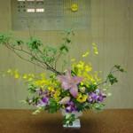 (花)ゆり、オンシジューム、デンファレ、(枝)どうだんつつじ(葉物)ピット、レザーファン