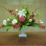 (花)アランセラアンブラック、ゆり、トルコききょう、チューリップ、プロテア(葉物)玉シダ、ドラセナ
