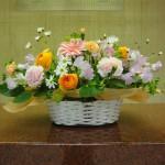 (花)ガーベラ、ラナンキュラス、カーネーション、スプレーカーネーション、スイートピー、マーガレット(葉物)レモンリーフ、、ブプレリューム