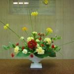 (花)エビデントラム、カーネーション、スプレーカーネーション、スプレーバラ(葉物)縦縞フトイ、ナルコラン、ギボウシ