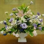 (花)ゆり、オンシジューム、トルコききょう、りんどう、スプレーカーネーション(葉物)ナルコラン