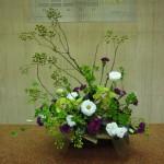 (花)シンピジューム、トルコききょう、スプレーカーネーション(葉物)コンパクター(枝)野バラ、どうだんつつじ