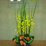 (花)オンシジューム、ケイトウ、スプレーカーネーション(葉物)オクラレルカ、ハラン