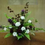 (花)りんどう(紅の唄)、オンシジューム(ボブキャット)、トルコききょう(ジャスニーホワイト)、カーネーション(カロンテ)(葉物)ゴットセファナ、谷渡り、玉シダ